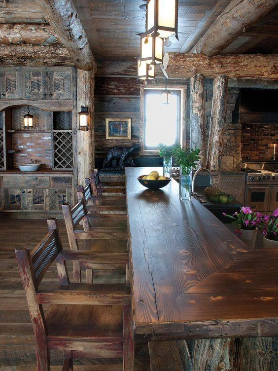 Kuchnia z drewna jadalnia