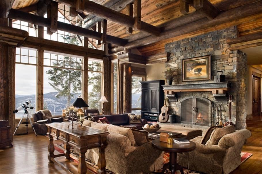 Salon w drewnie z kominkiem